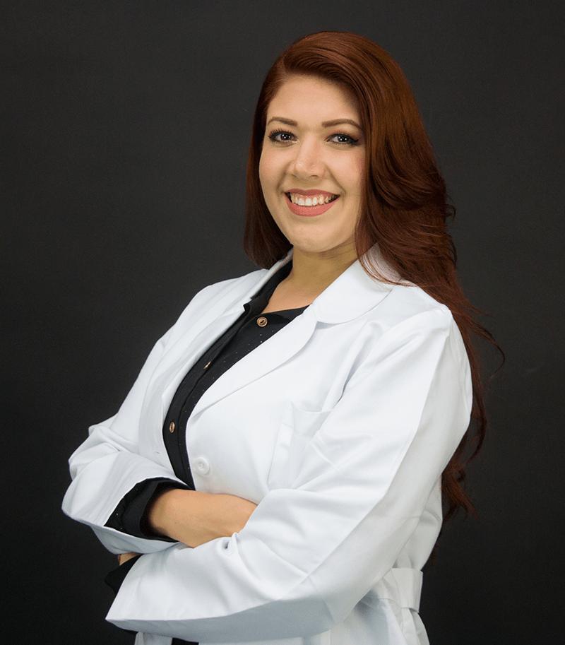 Dra. Priscilla Flores - Médico especialista en medicina del deporte y rehabilitación